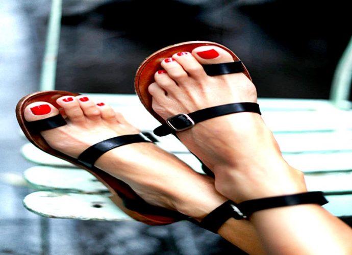 Sandalias para la época estival, siempre la mejor elección de las féminas