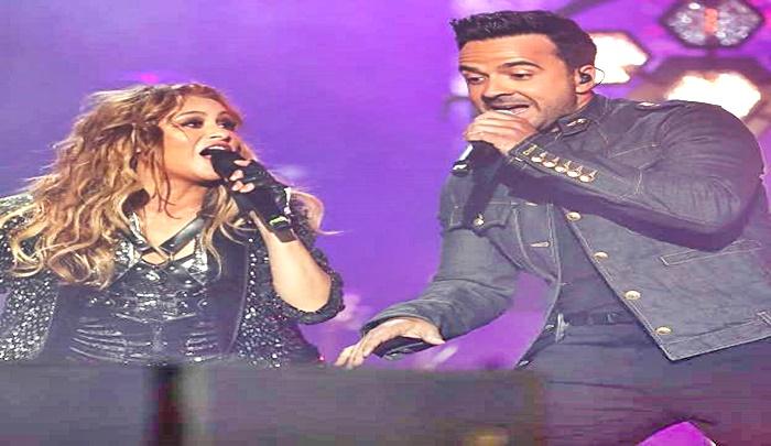 Luis Fonsi cantó  junto a María Espinosa