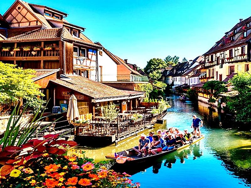 El río Rhin es parte de Estrasburgo
