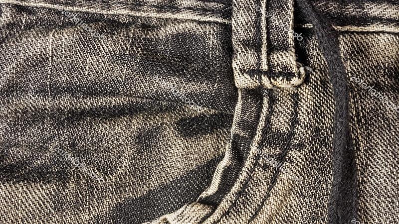 No expongamos las piezas de ropa en negro mucho tiempo al sol