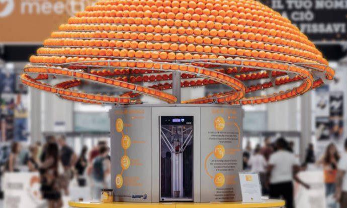Este exprimidor convierte la cáscara de las naranjas en