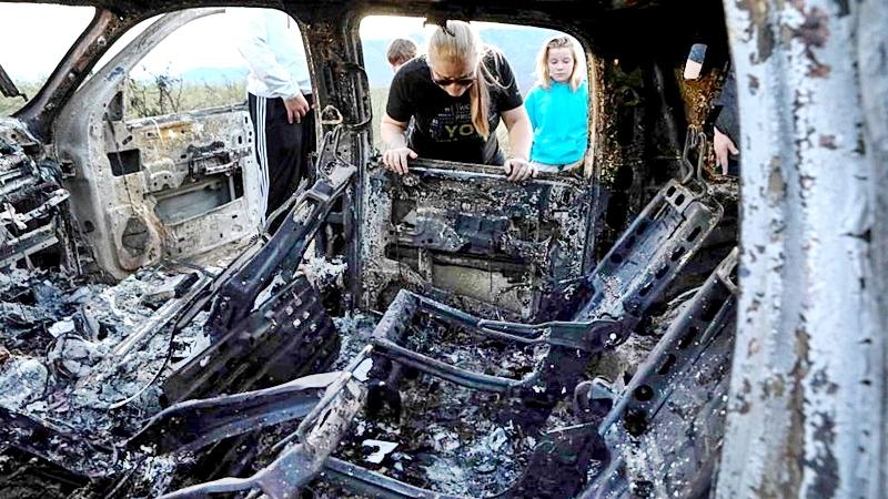 Mueren calcinados miembros de los Le Barón dentro se su camioneta