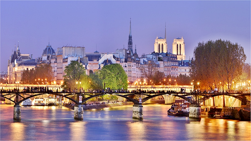 Visitar a París e ir a sus encantadores barrios