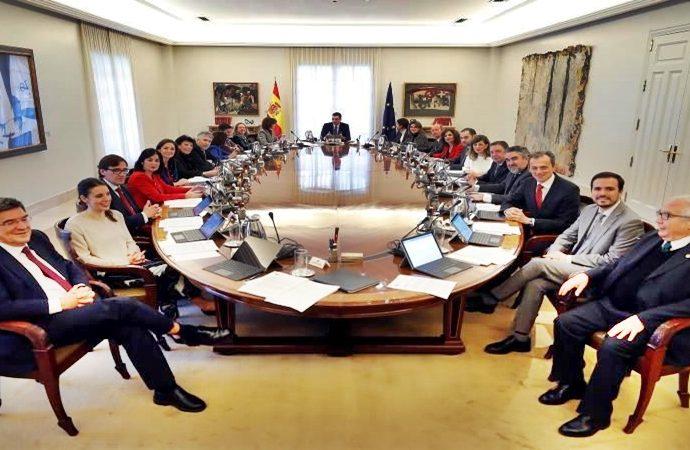 Se reúnen por primera vez el gobierno de coalición en España