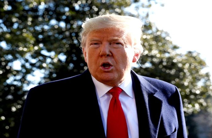 Trump acusa a medios y a demócratas en causar pánico