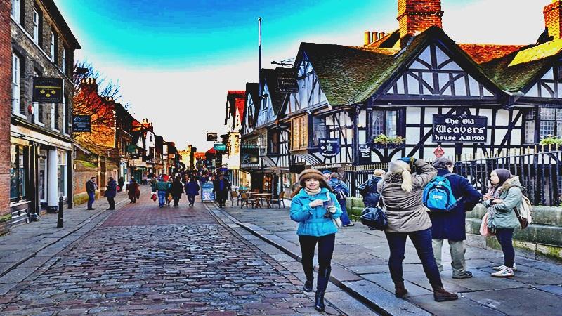 Canterbury completa la belleza del Condado de Kent en Inglaterra