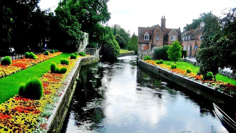 Es el condado anfitrión de los turistas y visitantes del Reino Unido